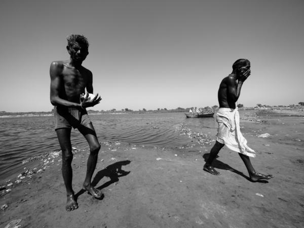 Viaje fotográfico festival holi, india. Photoplanet Viajes Fotográficos. fotografía byn holiViaje fotográfico festival holi, india. Photoplanet Viajes Fotográficos. fotografía byn holi